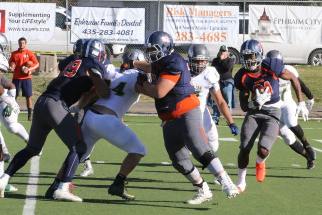 Daymon Murray, shown here against Scottsdale, had 241 yards rushing, nearly half the total yardage gained by the Badgers, in Snow's 42-14 win over Phoenix. - Bob Bahlmann / Messenger photo